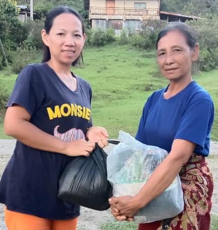 Penduduk Kg. Longut Lama ucap terima kasih kepada Abidin Madingkir