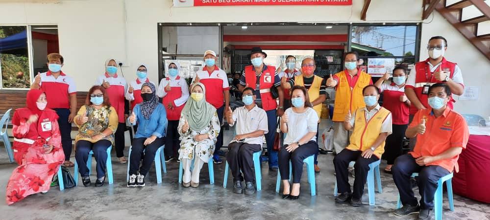 Program Derma Darah anjuran  BSMM Tuaran diserikan dengan kehadiran isteri Ketua Menteri.