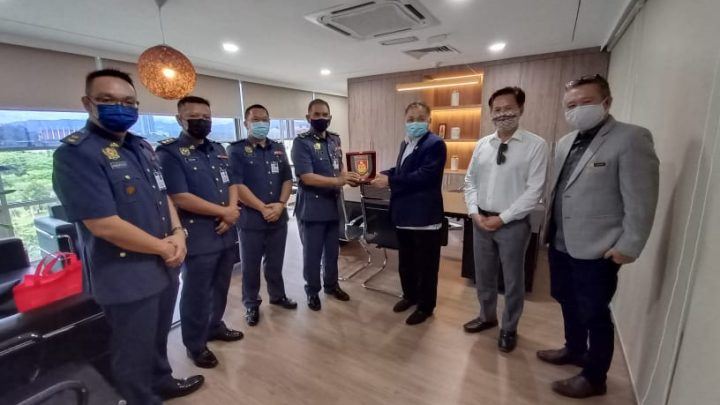 Kunjungan Hormat JBPM Sabah ke atas Robert Tawik, jalin silaturahim, medium perbincangan