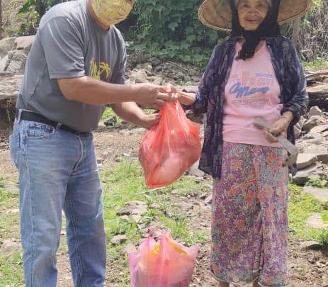 Musim sukar, Seorang sukarelawan tampil hulur sumbangan