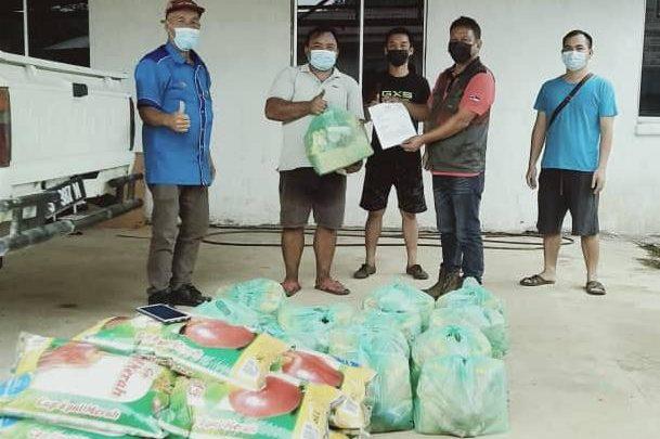 499 Ketua Isi Rumah terima bantuan Bakul Makanan daripada MP Ranau