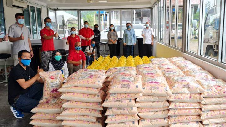 Tawau MP starts distributing 4000 food baskets under Pemulih Package