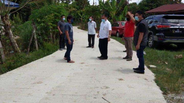 ADUN Bingkor  turun padang melawat projek yang dilaksana dalam kawasan