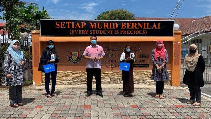 Guru SMK Labuan bantu murid dapatkan pinjaman Peranti dan Bantuan Top Up