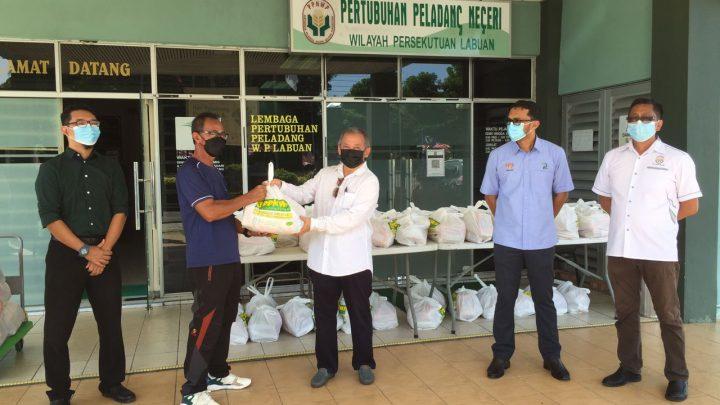 Lebih 900 ahli Pertubuhan Peladang Wilayah Persekutuan terima bakul makanan