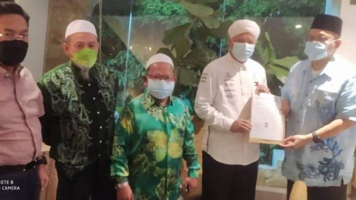 PAS Labuan serah memorandum kepada Shahidan